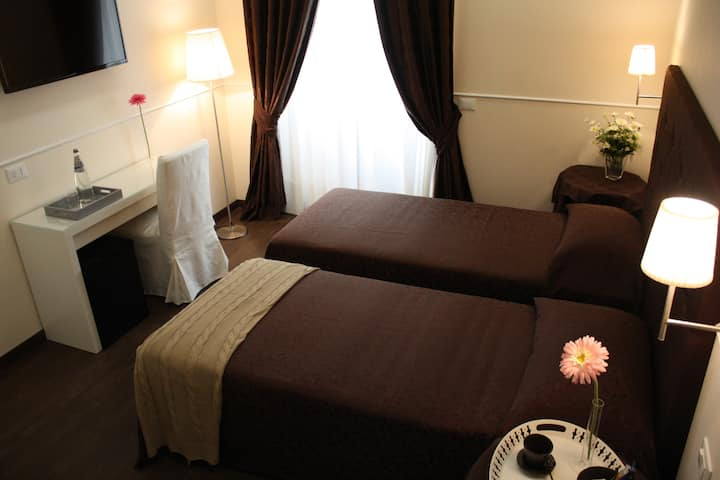 Caesar Place Roma Luxury Double Room
