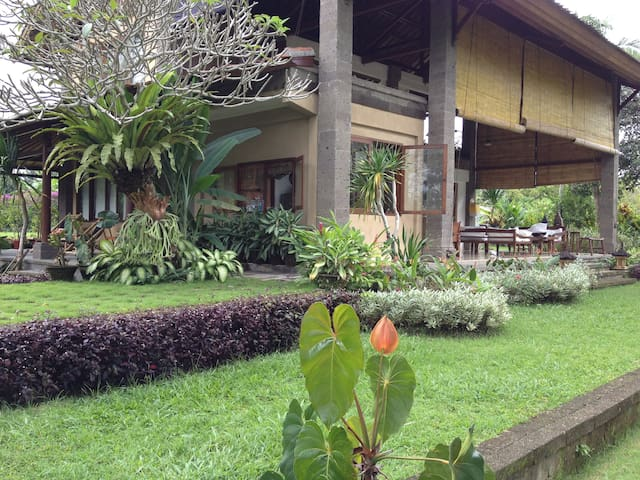 Country Living  Gorgeous Setting - Klungkung Bali - Vila