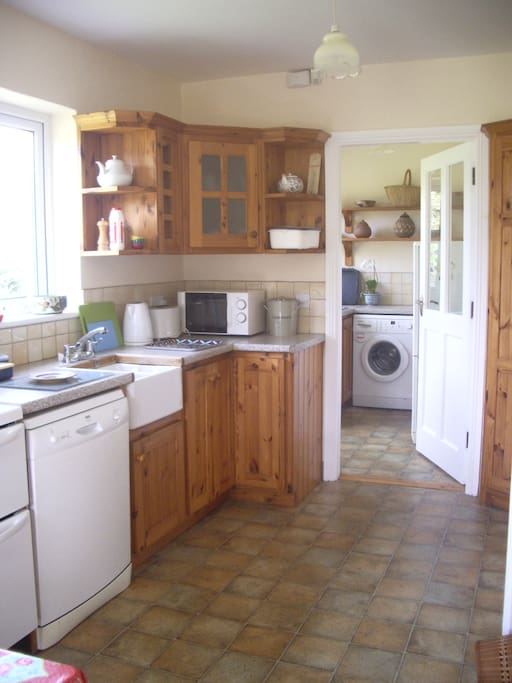 Kitchen and utility room fully equipped.