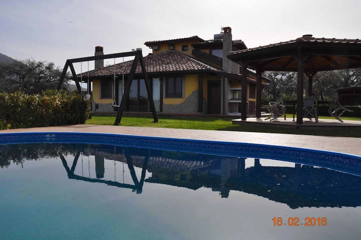 Charming Sizilien Villa w/swimmingpool near  Sea - Torrenova - Hus