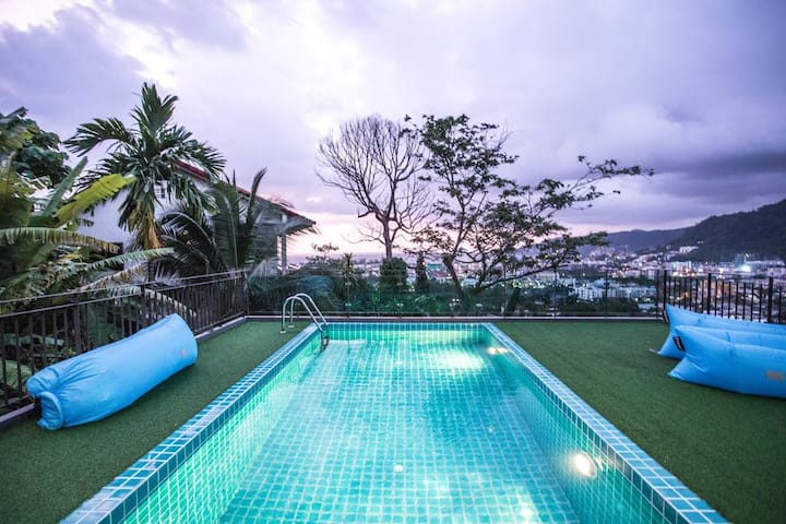 ⭐Sea Quest Hotel 10BR w/Rooftop Pool in Patong