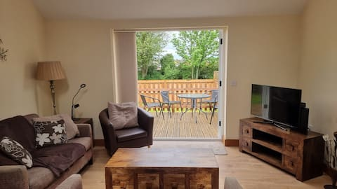 Self-contained Dog-friendly 2-bedroom Annexe