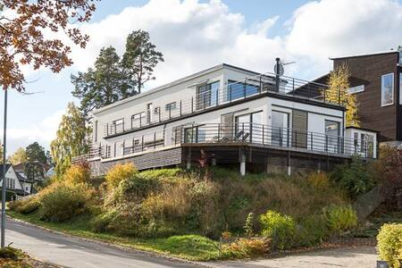 Exclusive villa near the beach - Lidingö - 独立屋