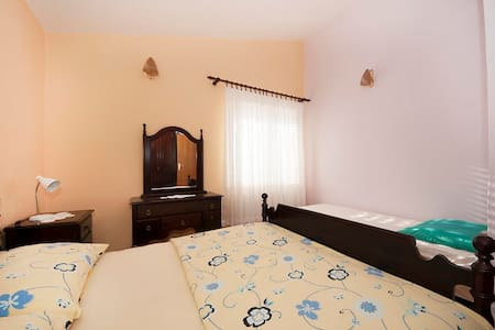 Villa Vera / One bedroom A1 - Arbanija