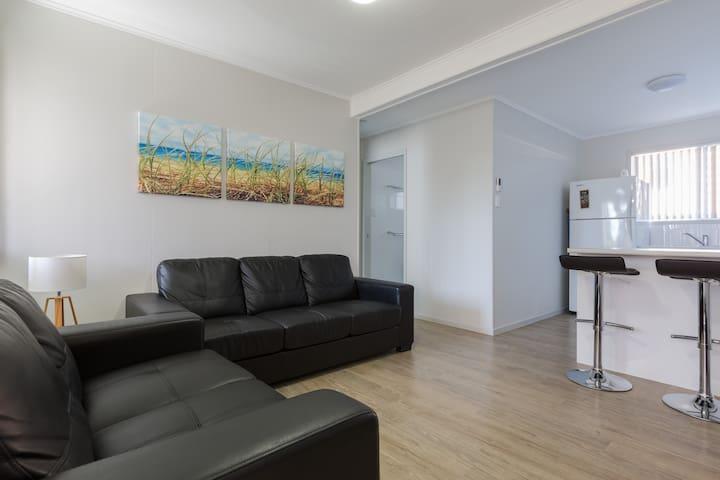 (4) Kirra/ Cooly Beach Apartment - Coolangatta - Apartament