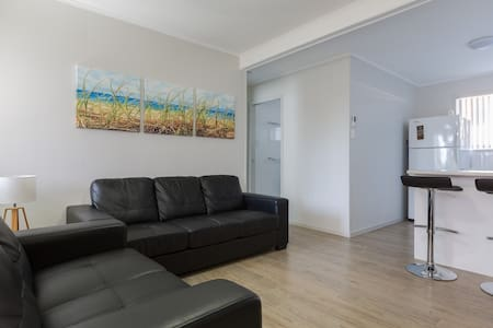 (4) Kirra/ Cooly Beach Apartment - Coolangatta - Wohnung