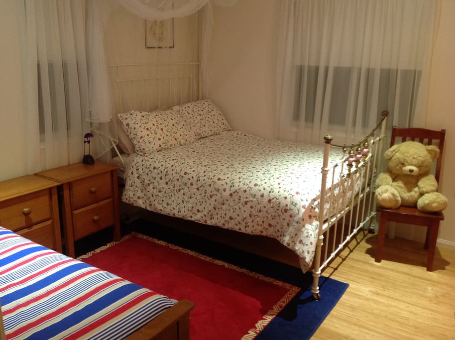 2nd bedroom has one Double bed and one Single bed.