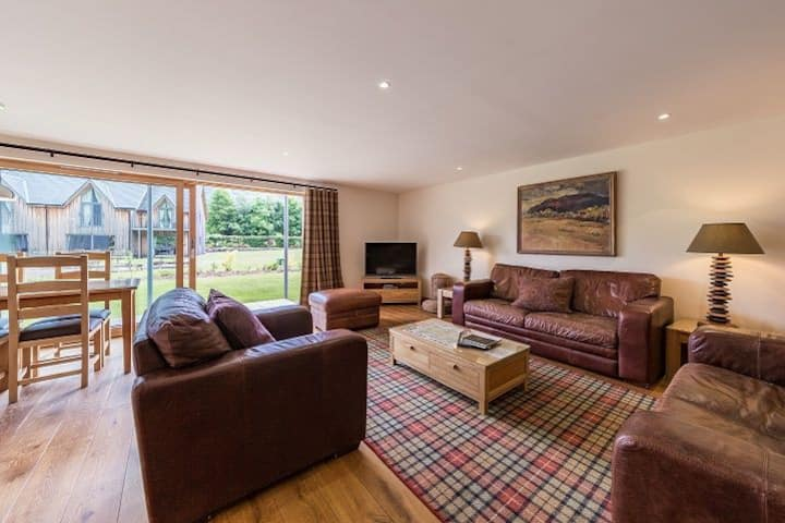 Mains of Taymouth, Kenmore, 5* 1 The Gallops, pet friendly