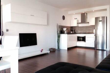Precioso piso en Puerto Banús - Marbella - Apartment