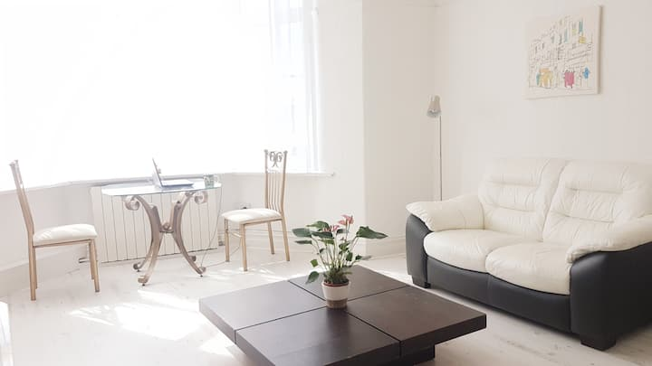 Mayfair Apartment - fantastic place by the seaside