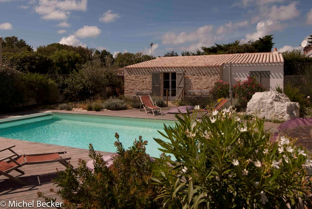 Ptit nichoir piscine chauff e houses for rent in for Piscine noirmoutier