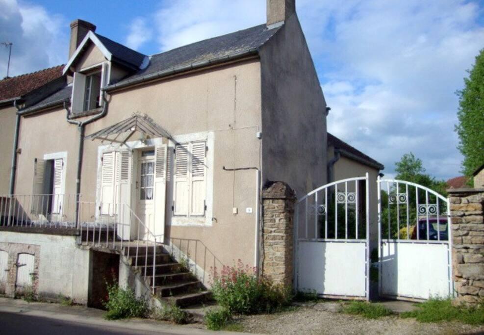 La maison de babette givry 89200 maison d 39 h tes for Maison hote bourgogne
