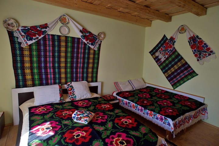 Family room Casa Carolina Maramures sleeps up to 4