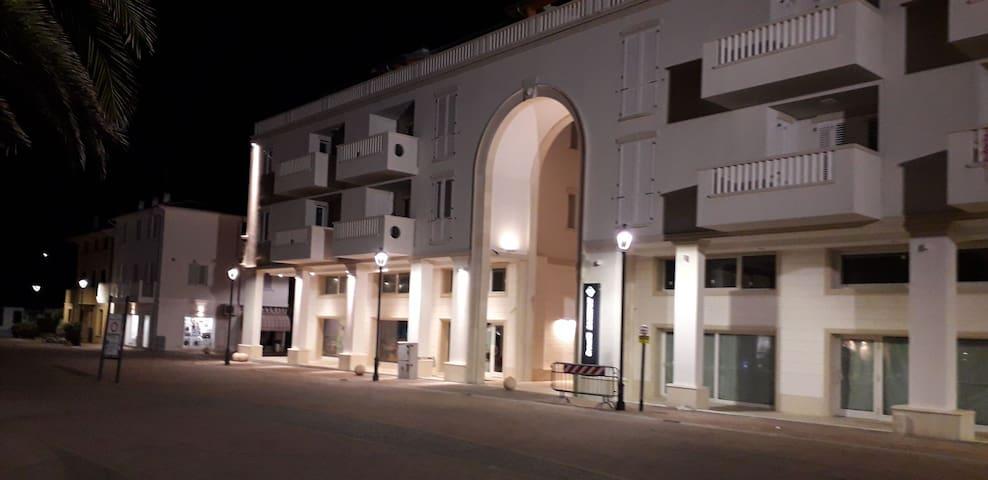 Appartamento spazioso, in centro e al mare Marotta