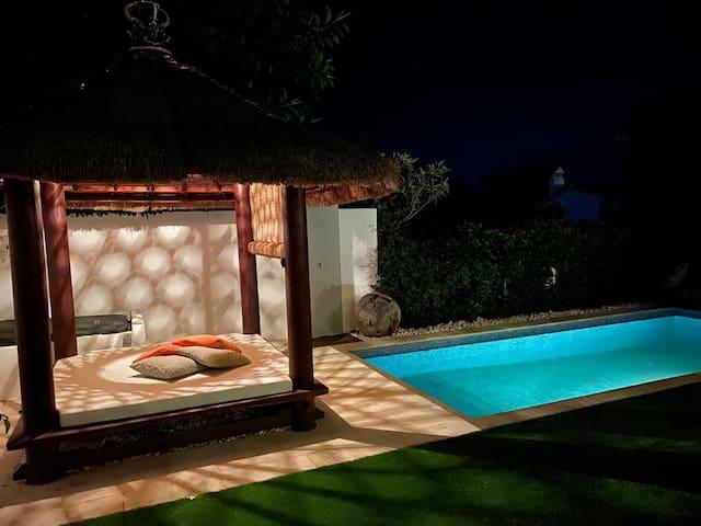 Costabella - Gepflegte Villa mit privaten Pool