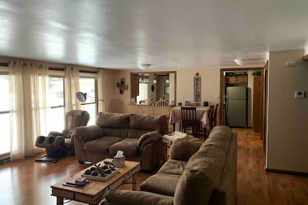 Lake Tomahawk Lodge