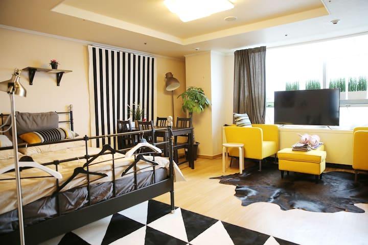 Viator's VIP LUX 11F in hongdae! - Mapo-gu - Appartement