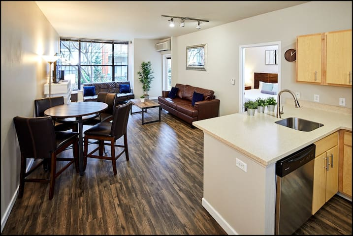 Affordable Stay in Studio Suite in Pearl District