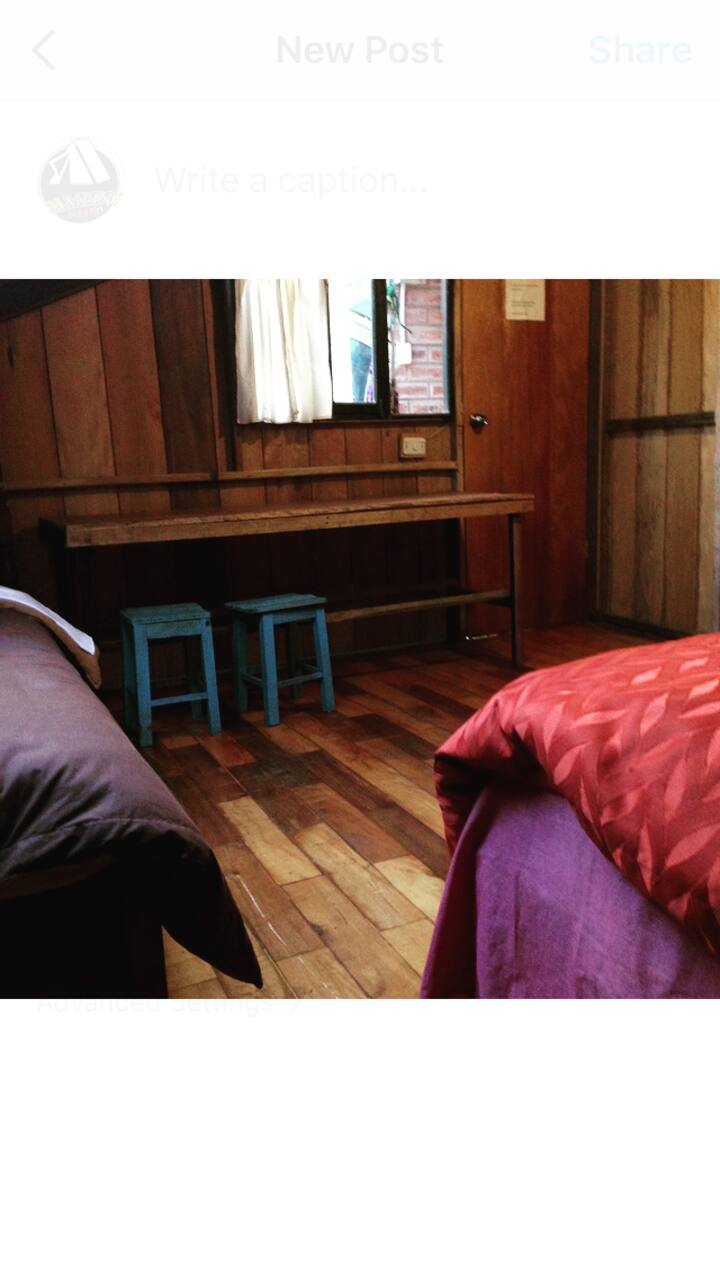 4-3 1 Double bed & 1 Single bed. Shared bathr&kitc