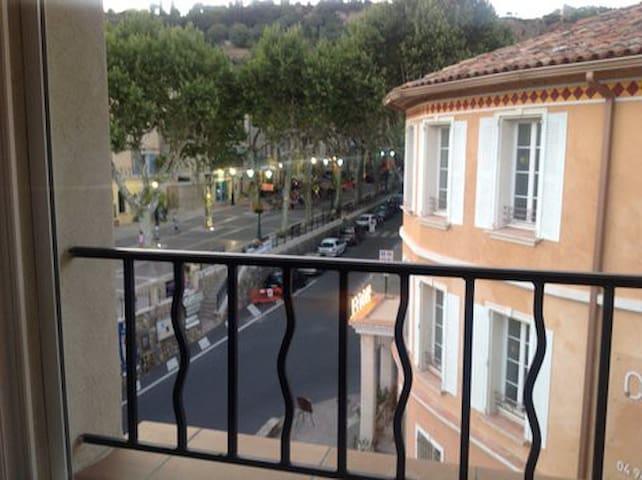 En plein centre de Cotignac - Cotignac