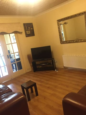 Family 4 bedroom terraced house in Greenford - Greenford - Casa