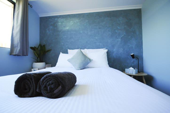 Cosy Coastal Guest Suite