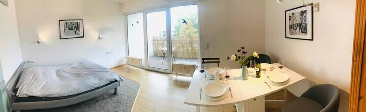 Modernes Apartment mit großem SW-Balkon und Garage