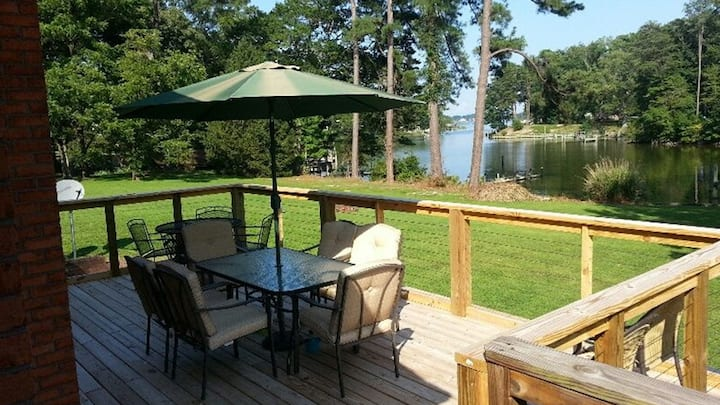 Reedville Home w/4 Bikes, 4 Kayaks & River Access!