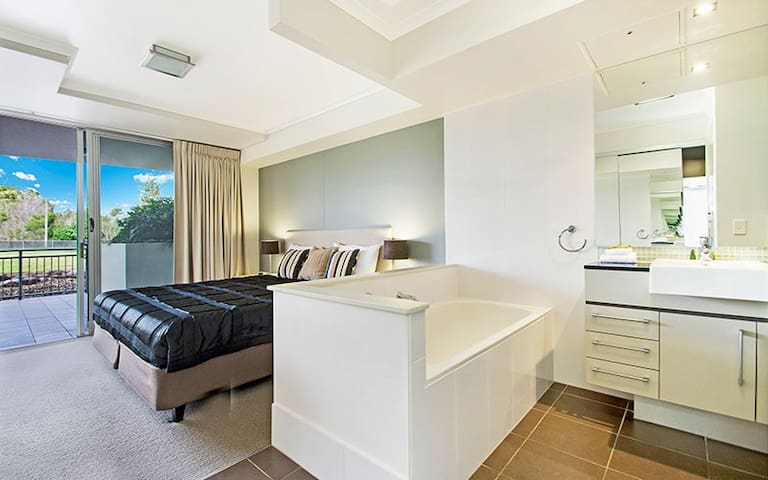 Resort Hotel, Luxury Private Room & Ensuite