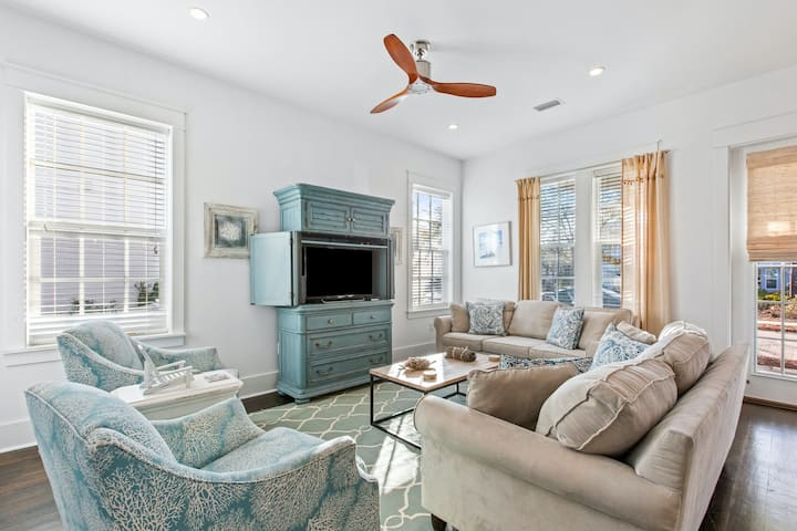 Two-Story Home w/ Free WiFi, Central A/C, Washer/Dryer, & a Shared, Heated Pool