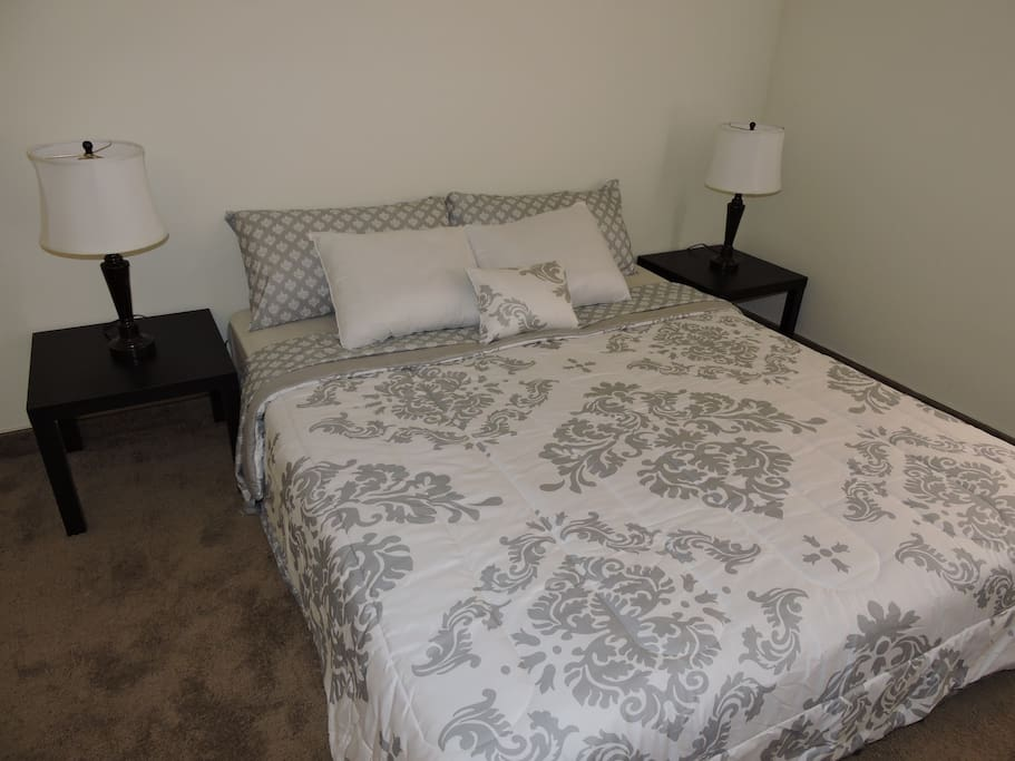 ROOM  - Large room with Queen Size Bed. You will have Premium bedding items like King sheets, pillows and King Duvet.