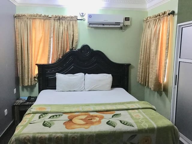 Splendor Suites - Standard Room