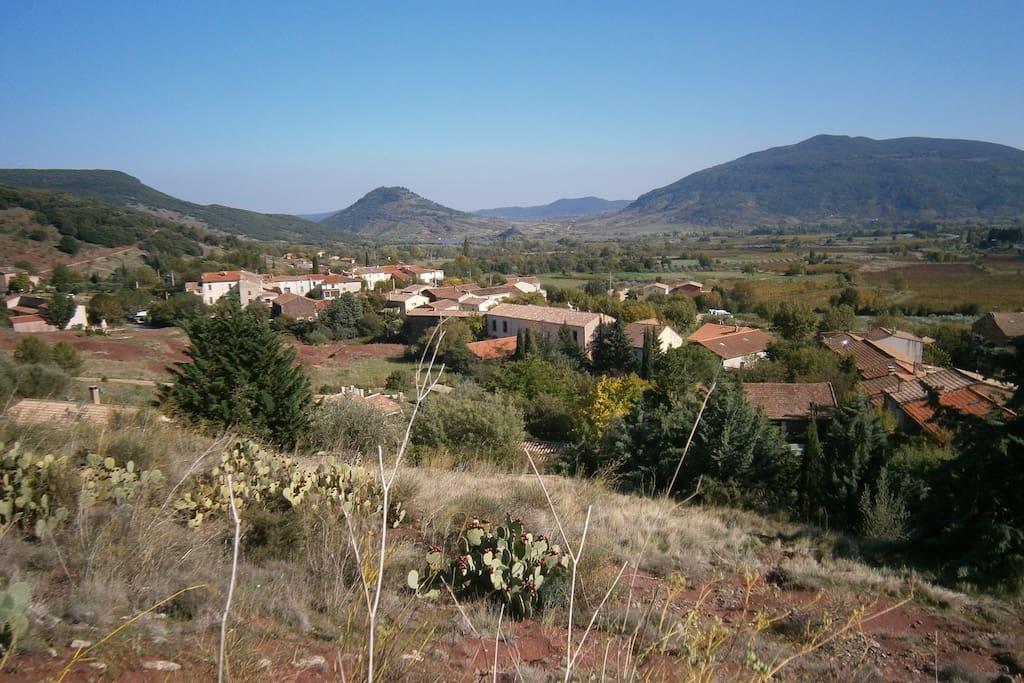 Magnifique vue sur la vallée et le lac du Salagou