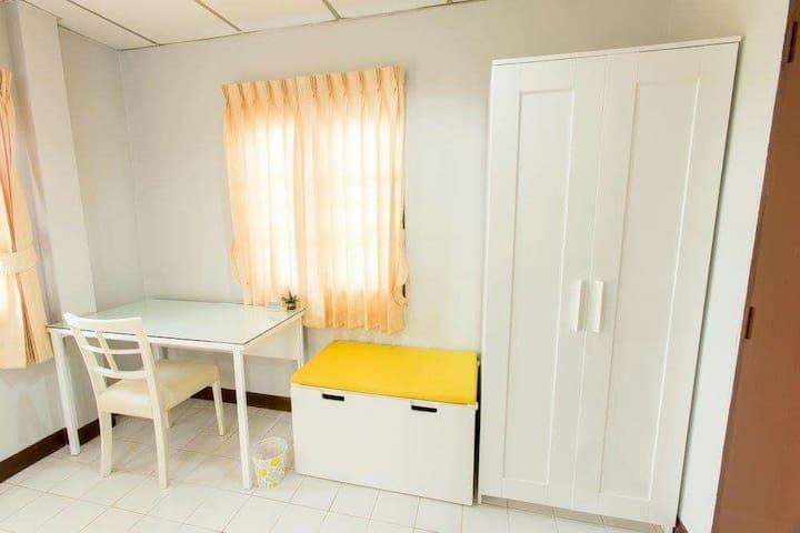 2nd floor: Bedroom1