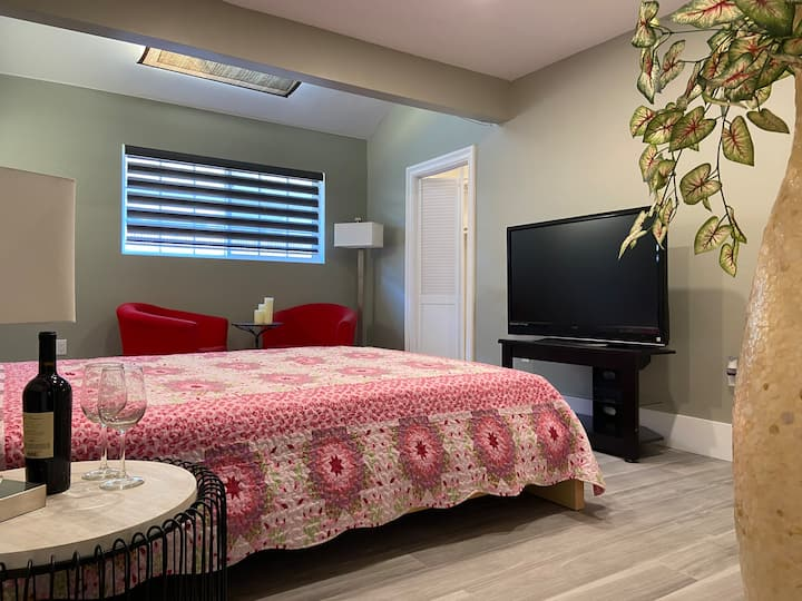 Private Sweet Room like at Home,Fountain Valley,C