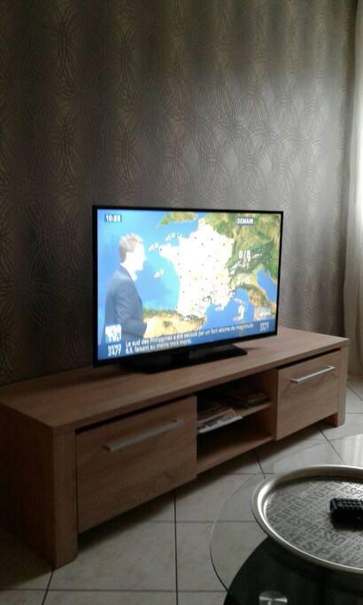 Meuble tv et télévision  grand écran