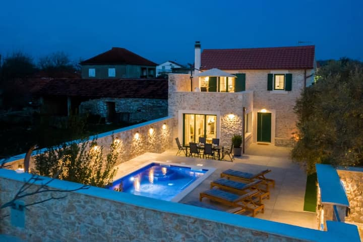 Luxury stone villa with pool, in beautiful  nature