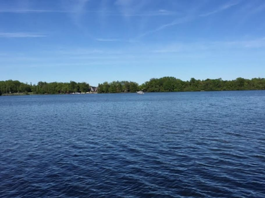 Peaceful Waterfront Retreat On Lake Simcoe Cottages For