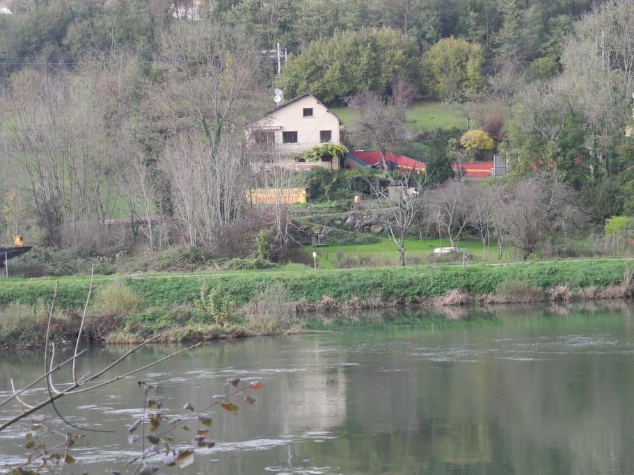 La maison imparfaite on the river Doubs