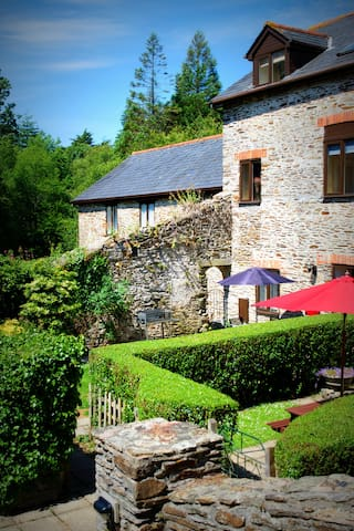 Mill Cottage is converted from the old timber Mill and is one of twenty holiday properties on the 28 acre country estate with fantastic facilities free for guests' use