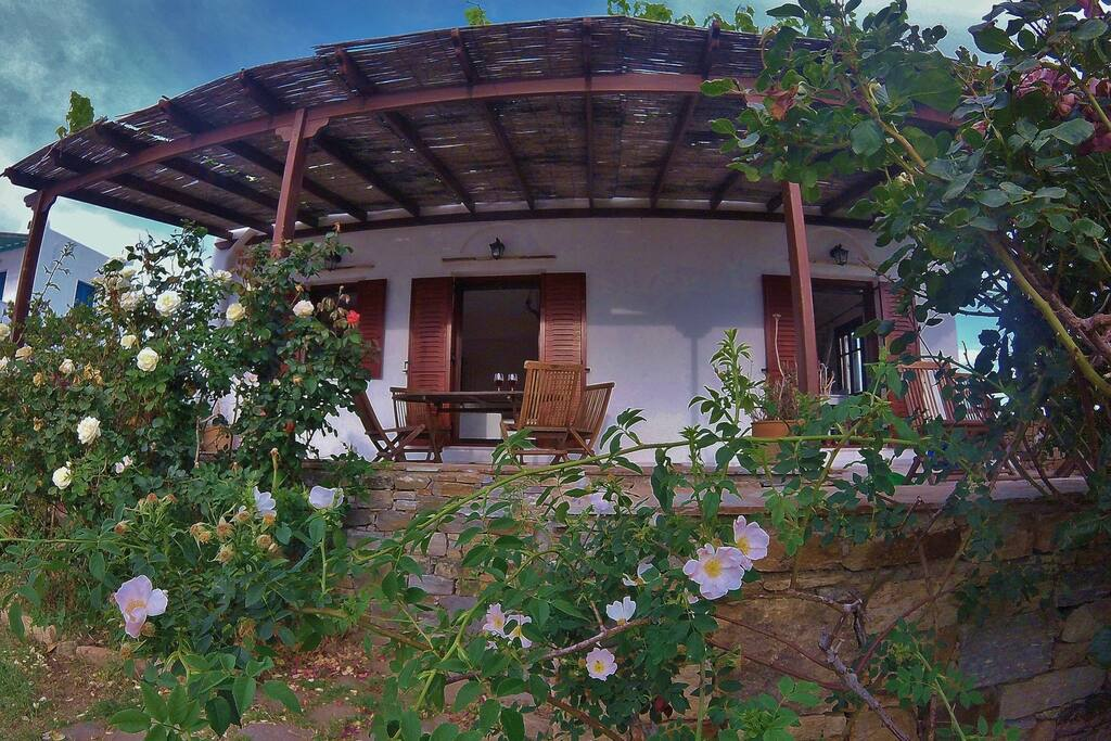 House view with beautiful Garden and private parking