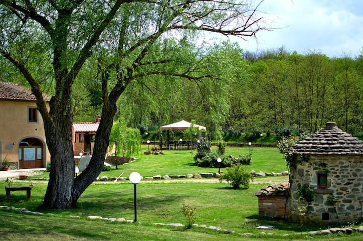 SassoMatto b&b - Campogialli - Penzion (B&B)