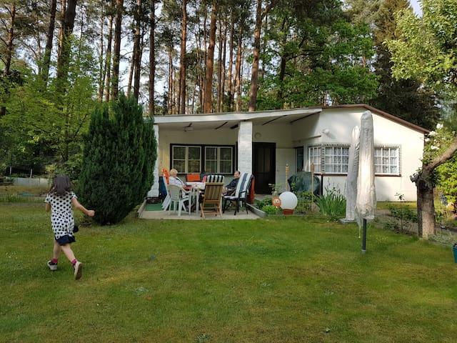 Ferienhaus direkt in der Natur und in Berlin