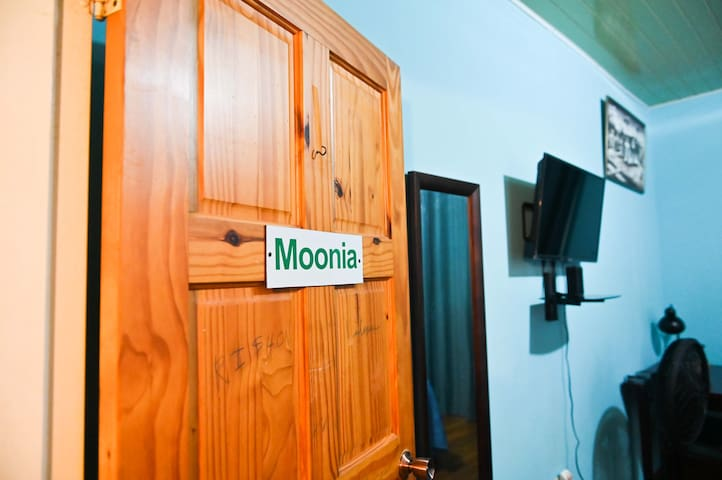 Moonia -Traum House