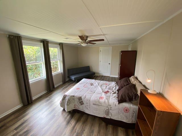 """Bedroom 2 + Full + foldout 66"""""""