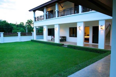House on Chiang Mai Highland Golf  - Ban Sa Ha Khon - Dom