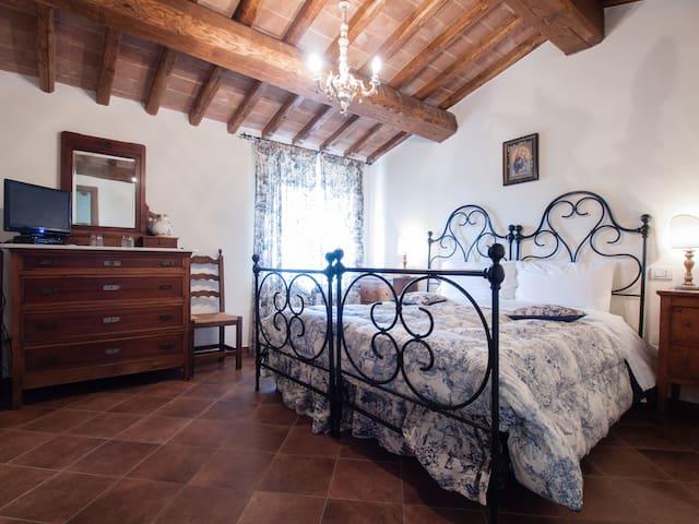Villa Sobrano  B. & B. Todi - italy