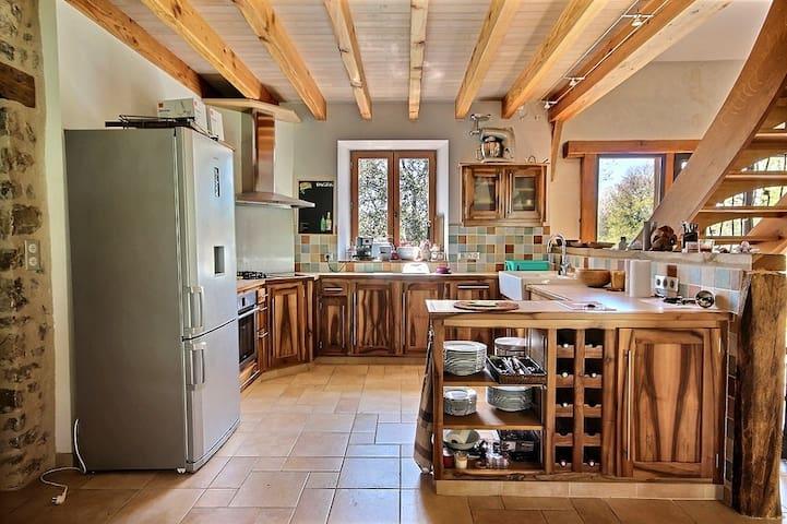 Grande maison de campagne idéale pour famille/amis - Rilhac-Treignac - Hus