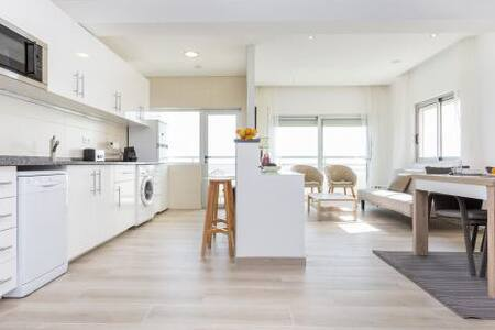 Fabulous 2 bed apartment by the sea - 波尔蒂芒 - 公寓