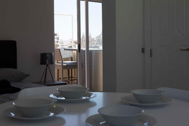 Nicely furnished sea view studio apt in Sliema